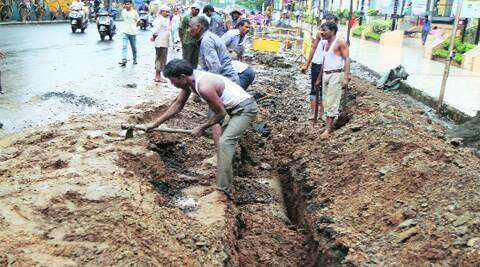 Work on laying a pipeline in front of the SGS Mall, Ambedkar Road, has put commuters to inconvenience. ( Source: Express photo by Arul Horizon )