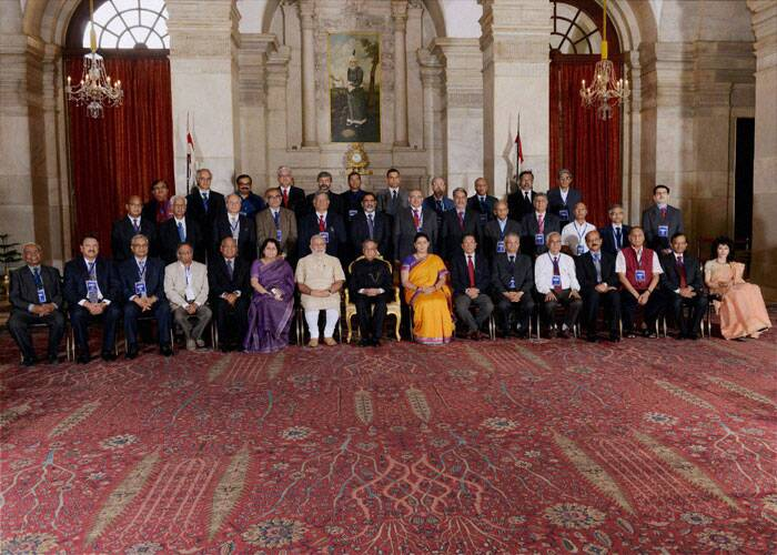 President Pranab Mukherjee, Prime Minister Narendra Modi and HRD Minister Smriti Irani at group photo session with Chairmen, Board of Governors and Directors of Indian Institute of Technology during a conference at Rashtrapati Bhavan in New Delhi on Friday. (Source: PTI)