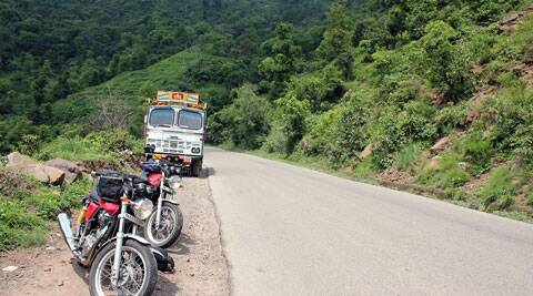 The Royal Enfield Continental GT on the way to Manali.