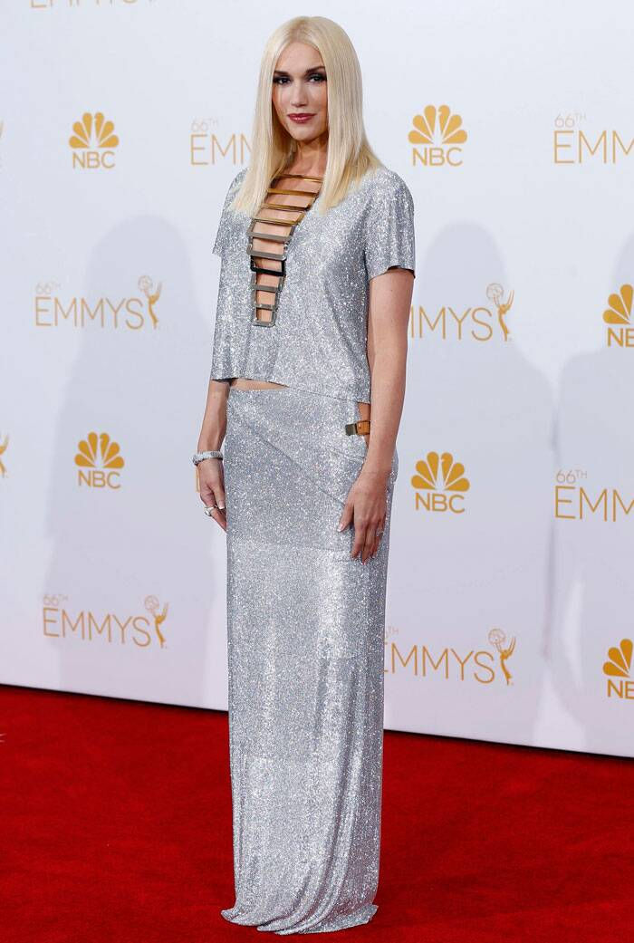 Pop star Gwen Stefani shimmered in a sparkly silver coloured Atelier Versace gown. (Source: Reuters)