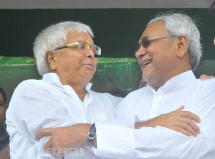 Nitish Kumar, Lalu Prasad Yadav share stage after two decades
