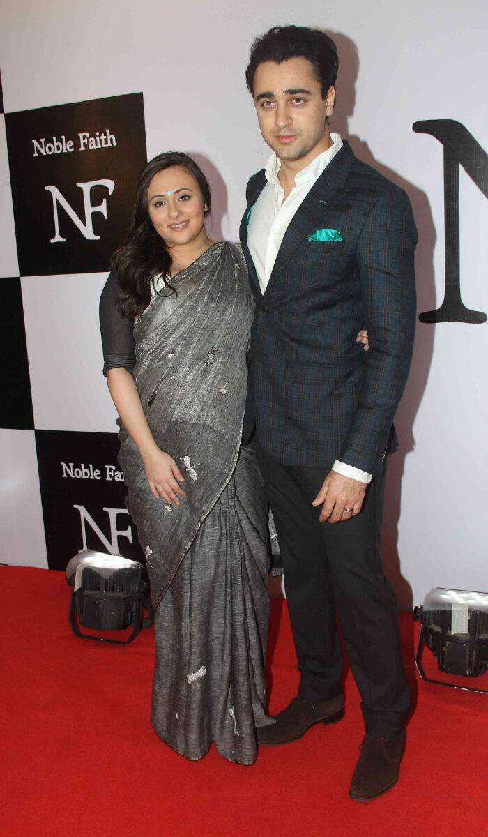 New parents Imran Khan and Avantika Malik complemented each other beautifully on the red carpet at a recent event. Imran was sharp in a suit, while Avantika looked lovely in a linen grey sari by Anavila with a turquoise coloured bindi that matched Imran's pocket square. (Source: Varinder Chawla)