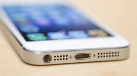 Is your iPhone 5's battery defective? Check it out as Apple is offering free batteryreplacement