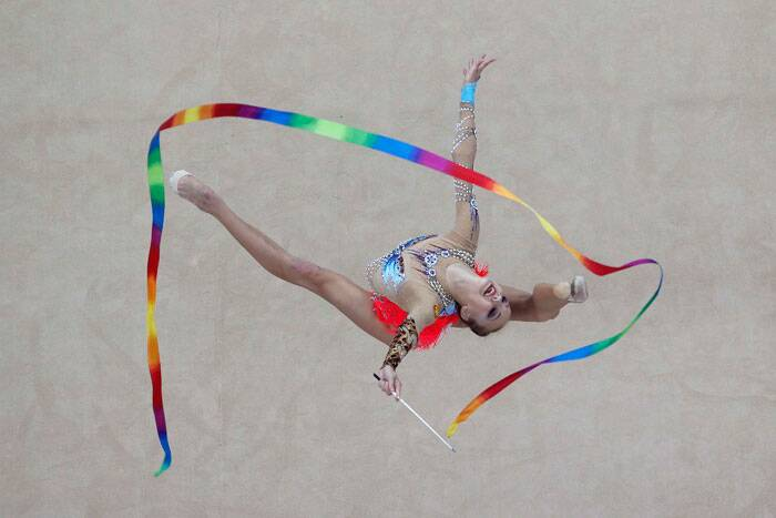 Russian's Irina Annenkova competes during the rhythmic gymnastics individual all-around final match at the 2014 Nanjing Youth Olympic Games in Nanjing, Jiangsu province, August 27, 2014. (Source: Reuters)
