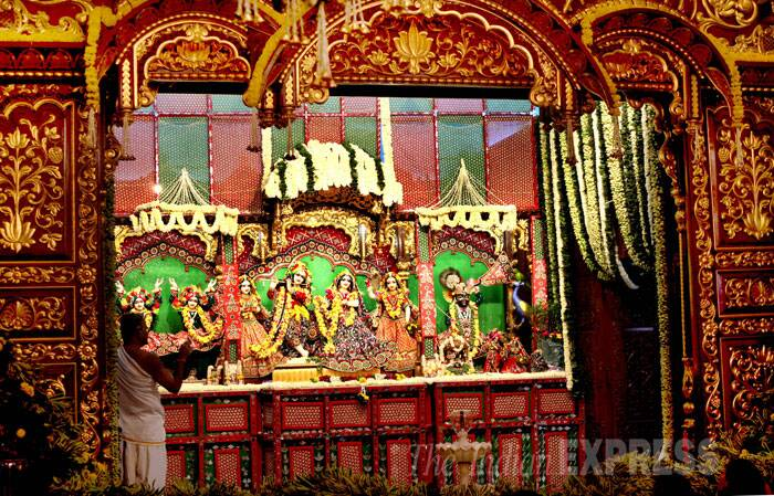 A midnight Janmashtami celebration at ISKCON Girgaum temple  in Mumbai. (Source: Express Photo by Pradip Das)