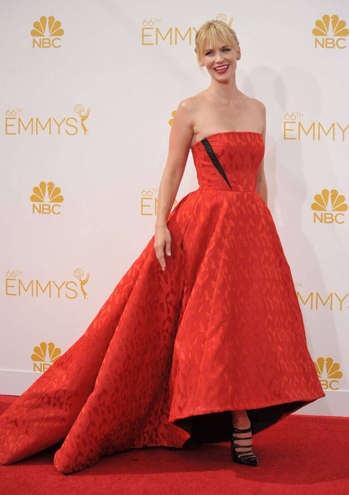 Actress January Jones from 'Mad Men' was all smiles looking pretty in a strapless Prabal Gurung gown paired with strappy Christian Louboutin heels. (Source: AP)