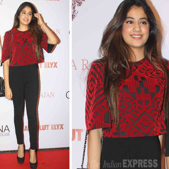 Sridevi's daughter Jhanvi was pretty in black high waist tights and maroon crop top. (Source: Varinder Chawla)