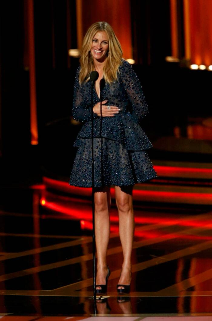 America's sweetheart Julia Roberts flaunted her legs in a navy blue short beaded number also by Elie Saab. (Source: Reuters)