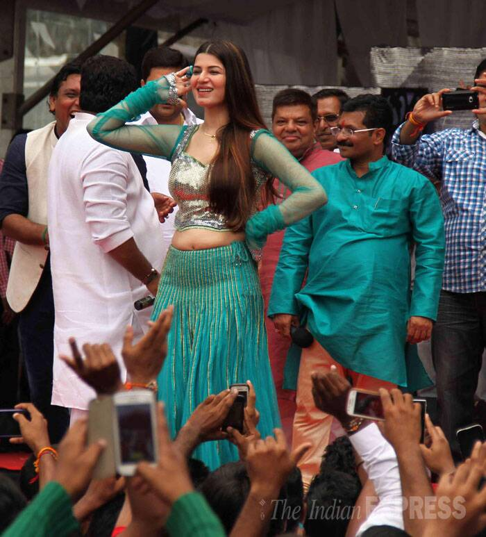 'Grand Masti' actress Kainaat Arora was pretty in a green lehenga. (Source: Varinder Chawla)