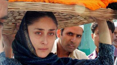 PHOTOS: Make-up free Kareena Kapoor prays at Ajmer Sharif dargah