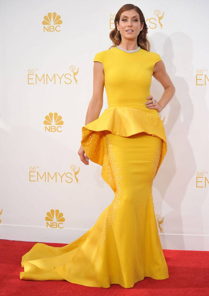 Actress Kate Walsh stole the show in a sunshine cooured Stephane Rolland Haute Couture gown. (Source: AP)