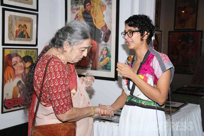 Kiran speaks to a guest at the exhibition. (Source: Varinder Chawla)