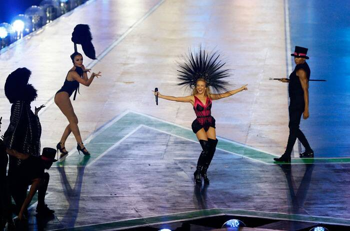 Australian pop singer Kylie Minogue performs on stage during the Closing Ceremony for the Commonwealth Games Glasgow 2014, at Hampden Park stadium, in Glasgow, Scotland. (Source: AP)
