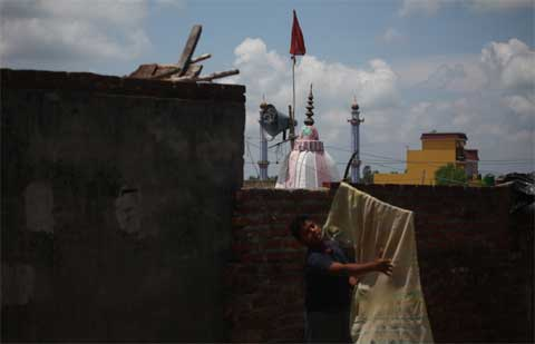 following rumours of a loudspeaker being removed in Bageshwar temple, both communities had gathered on the main road