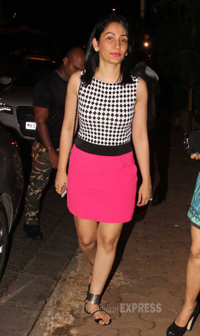 Look Who's here! Sanjay Dutt'a wife Maanyata. She looked amazing in her shocking pink skirt and monochrome top. (Source: Varinder Chawla)