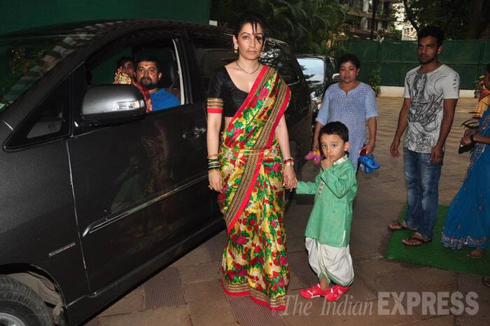 Sanjay Dutt's wife Maanyata was also spotted with son Shahraan. (Source: Express photo by Varinder Chawla)