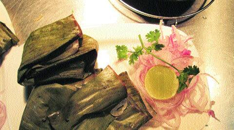 Patra ni Macchi, (Fish Wrapped in a Leaf)