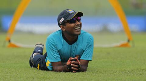 Mahela Jayawardene during a training session on the eve of the second Test against Pakistan at the SSC in Colombo (Source: AP)