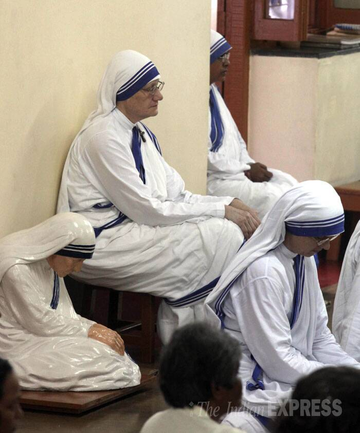 Missionaries of Charity Superior General Sister Mary Prema is seen praying during a special mass on the Mother Teresa's 104 birth anniversary in Kolkata. (Source: Express photo by Partha Paul)
