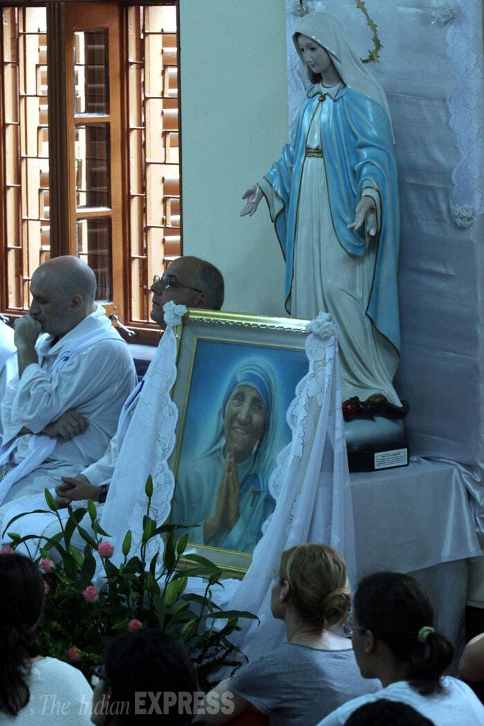 A special mass is observed at the Missionaries of Charity to mark Mother Teresa's 104 birth anniversary in Kolkata. (Source: Express photo by Partha Paul)