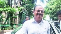 DIG Paraskar gets anticipatory bail, model to move HC