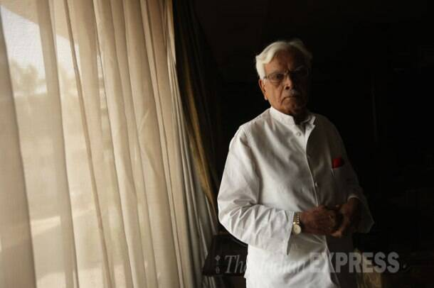 Natwar's memoirs put Sonia, Manmohan in the dock