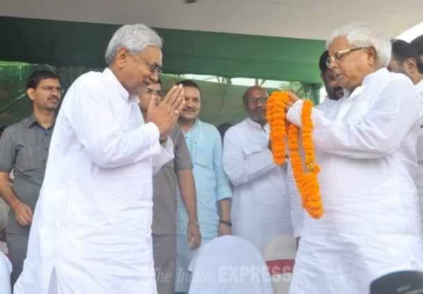 Nitish Kumar, Lalu Prasad Yadav share stage after two decades