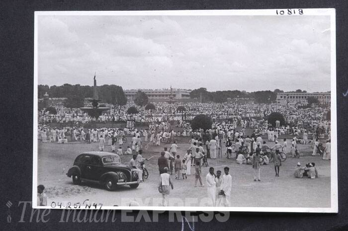 People throng North Block and South Block on August 15, 1947. (Express archive photo)