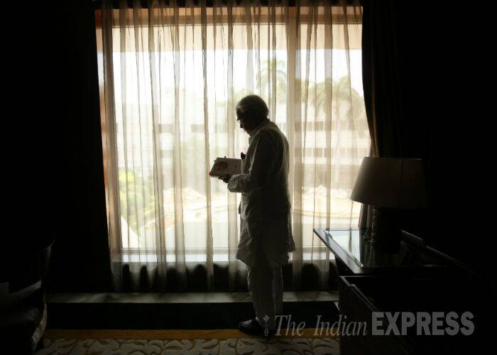 Natwar Singh, former Congress leader, reading his autobiography 'ONE LIFE IS NOT ENOUGH'. (Source: Express photo by Neeraj Priyadarshi)