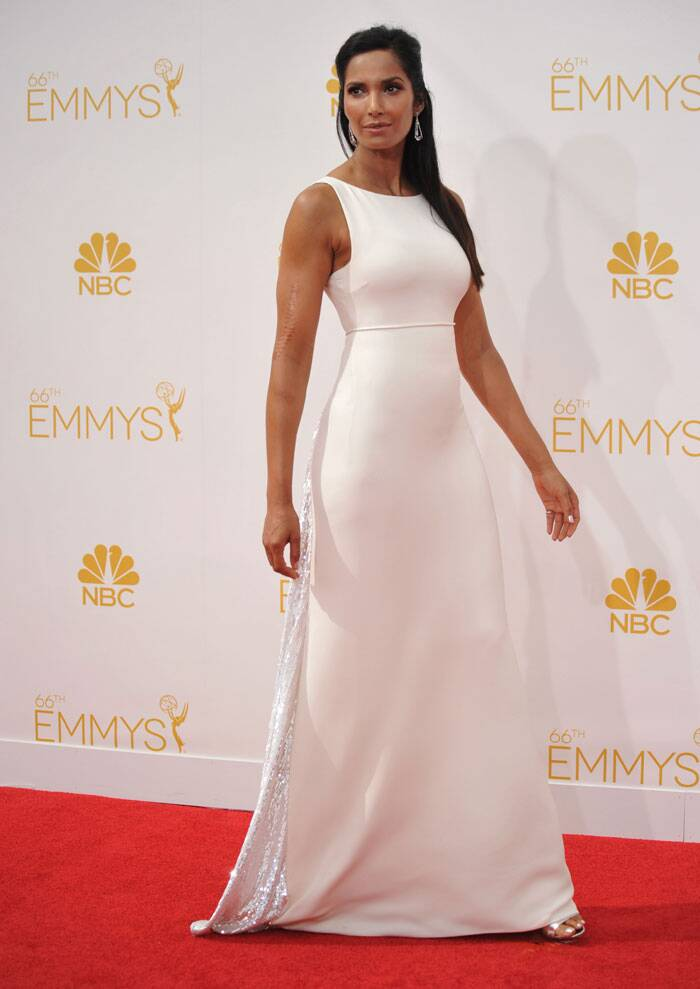 Author and actress Padma Lakshmi made a beautiful entrance in a white Ralph Rucci Couture dress with Fred Leighton jewellery. (Source: AP)