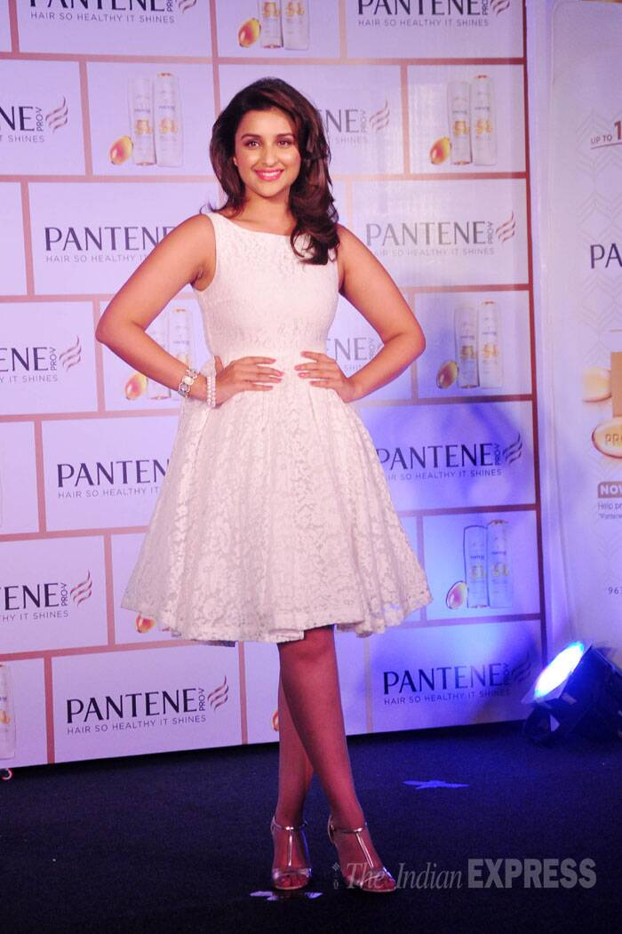 Parineeti Chopra looked lovely in a white lace number by Source with metallic strappy heels. (Source: Varinder Chawla)