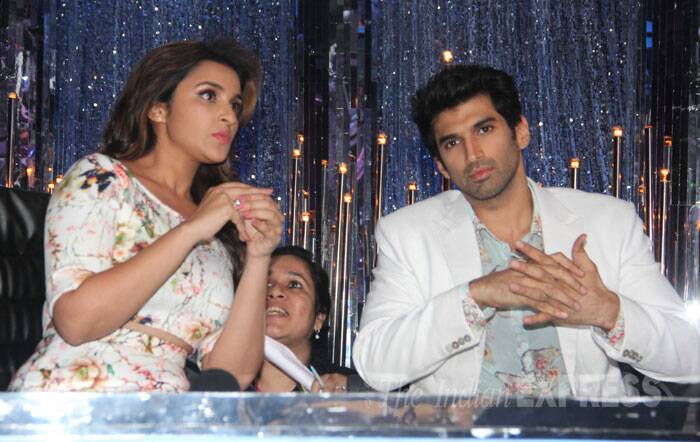 Parineeti was also accompanied by her onscreen love Aditya Roy Kapur. (Source: Varinder Chawla)