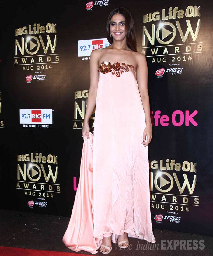 Actress Vaani Kapoor, who made her debut with 'Shuddh Desi Romance', picked a fabulous pastel  coloured strapless gown by designer Nikhil Thampi. (Source: Varinder Chawla)
