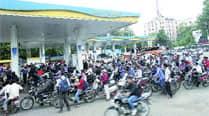 350 petrol pumps shut for 12 hrs to protest againstLBT