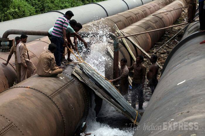 A water pipeline that supplies water to Mumbai burst  in Vartak Nagar, Mumbai on Wednesday. (Source: Express photo by Deepak Joshi)