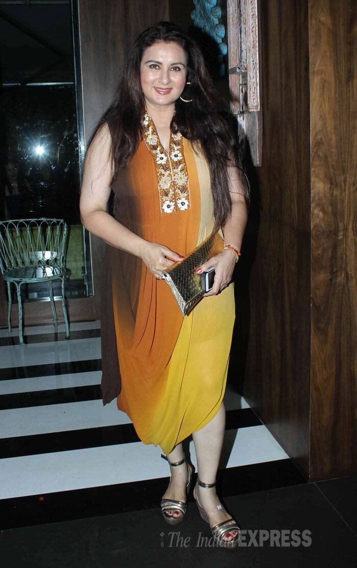 Actress Poonam Dhillon was also present for the event in dual-toned outfit. (Source: Varinder Chawla)