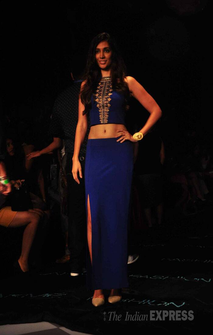 Actress Preeti Desai showd off her toned midriff in a cropped top with a matching skirt. (Source: Varinder Chawla)