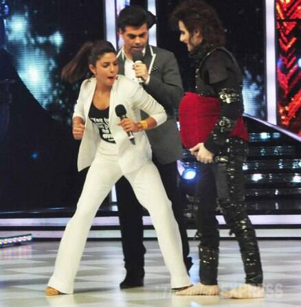 'Mary Kom' Priyanka, Madhuri put on their boxing gloves