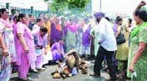 Anganwadi workers protest, seek regularisation ofjobs