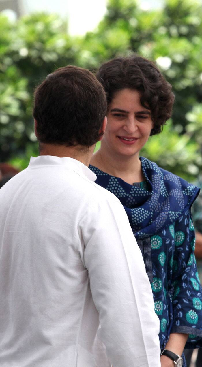 Priyanka Vadra and Rahul Gandhi at a function organized by Rajiv Gandhi  foundation on 23rd Aug. 2014. (Source: Express photo by Renuka Puri)