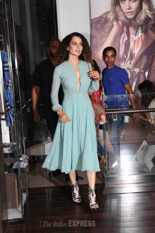 Kangana, Sonali's Friday night out