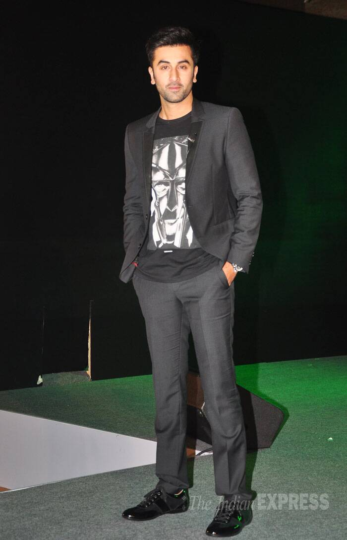 Ranbir Kapoor, who will be seen in 'Bombay Velvet' looked dashing in a black tee shirt with trousers and a matching blazer. (Source: Varinder Chawla)