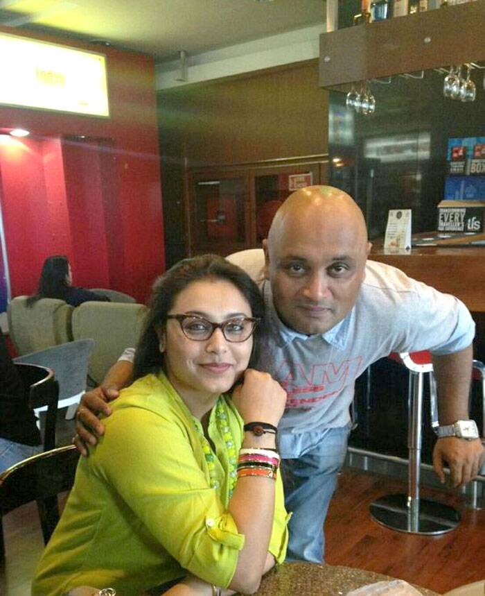 Newly married actress Rani Mukerji, who will soon be playing top cop in 'Mardaani', celebrated Rakhshabandhan with her brother Raja. This is her first festival post wedding in April this year.  (Source: Twitter)