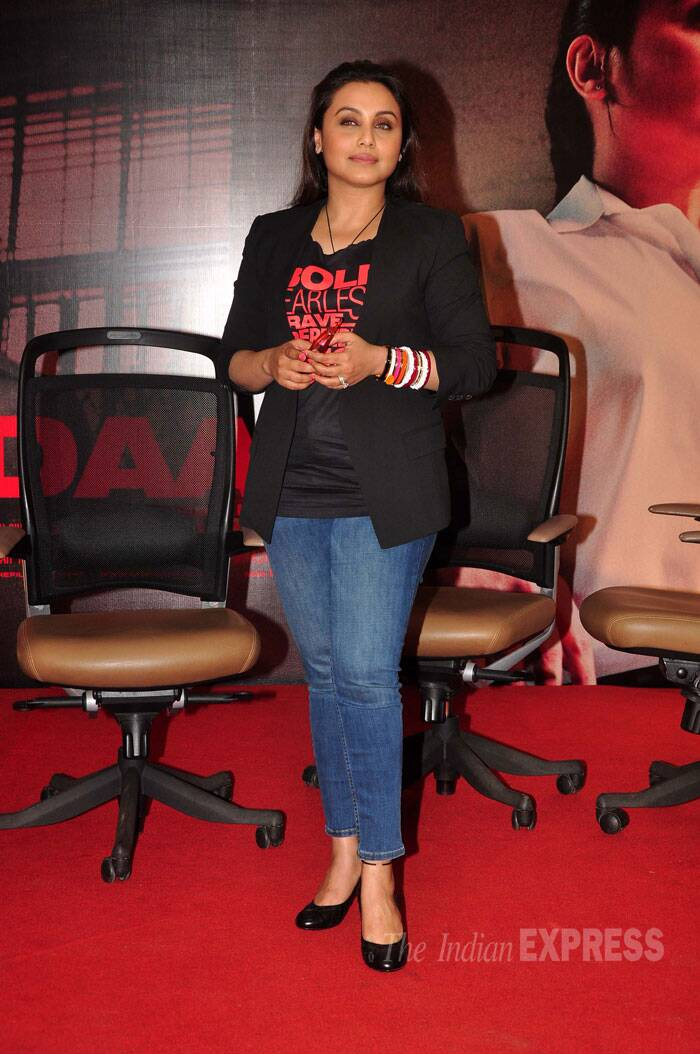 The actress, who has received a good amount of praise for her portrayal of a policewoman in the crime flick, was smart in a black tee shirt, blazer and jeans with black pumps. One cannot miss the 'Shakha Pola' on her wrist.  (Source: Varinder Chawla)