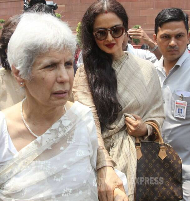 Rekha makes appearance in Parliament