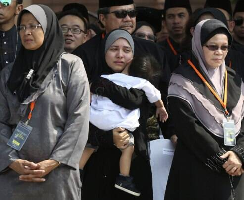 Malaysian airlines MH17: Bodies of victims arrive