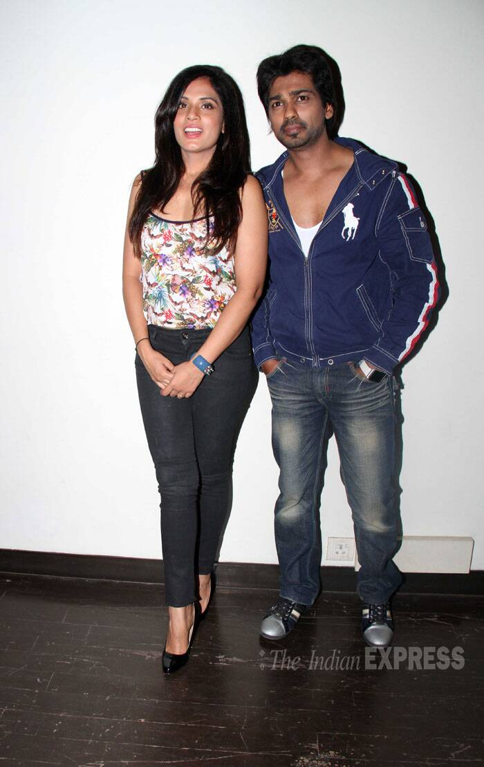 Tamanchey's lead pair Richa Chadda and Nikhil Dwivedi were also busy promoting their movie.  (Source: Varinder Chawla)