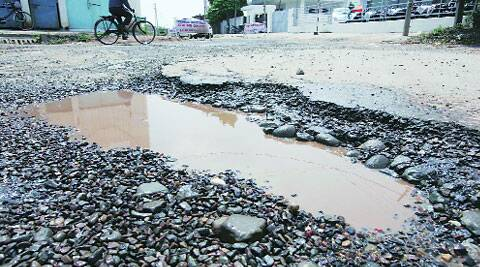 The road between Panchkula and Hallomajra. ( Source: Express photo by Jaipal Singh )