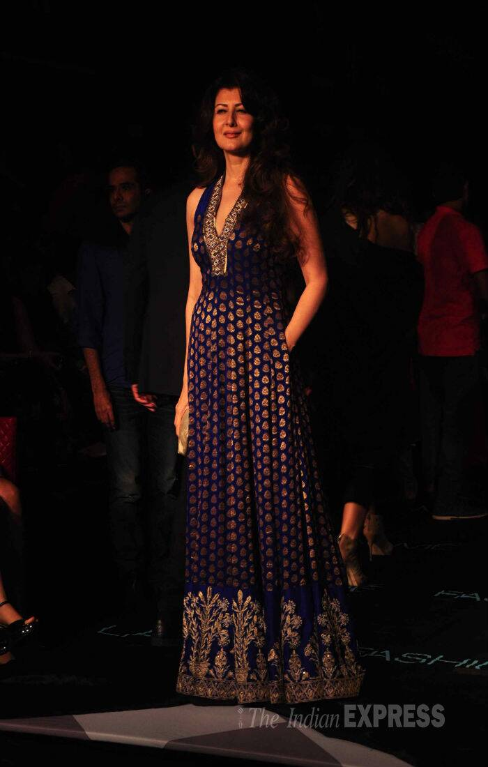 Salman Khan's former ladylove Sangeeta Bijlani put in an appearance at the LFW looking beautiful in a midnight blue and gold floor-length maxi gown. (Source: Varinder Chawla)