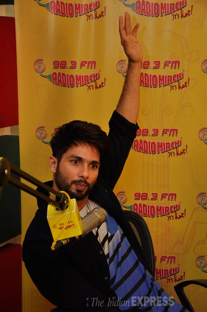 Shahid Kapoor seems eager to answer a question. (Source: Varinder Chawla)